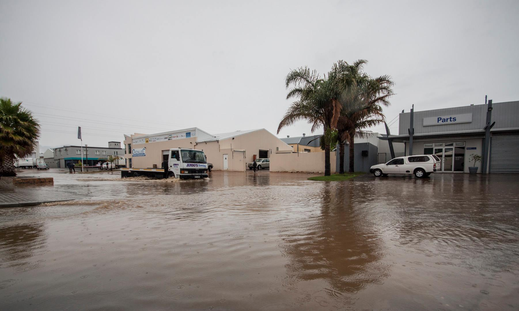 flooding-somerset-west