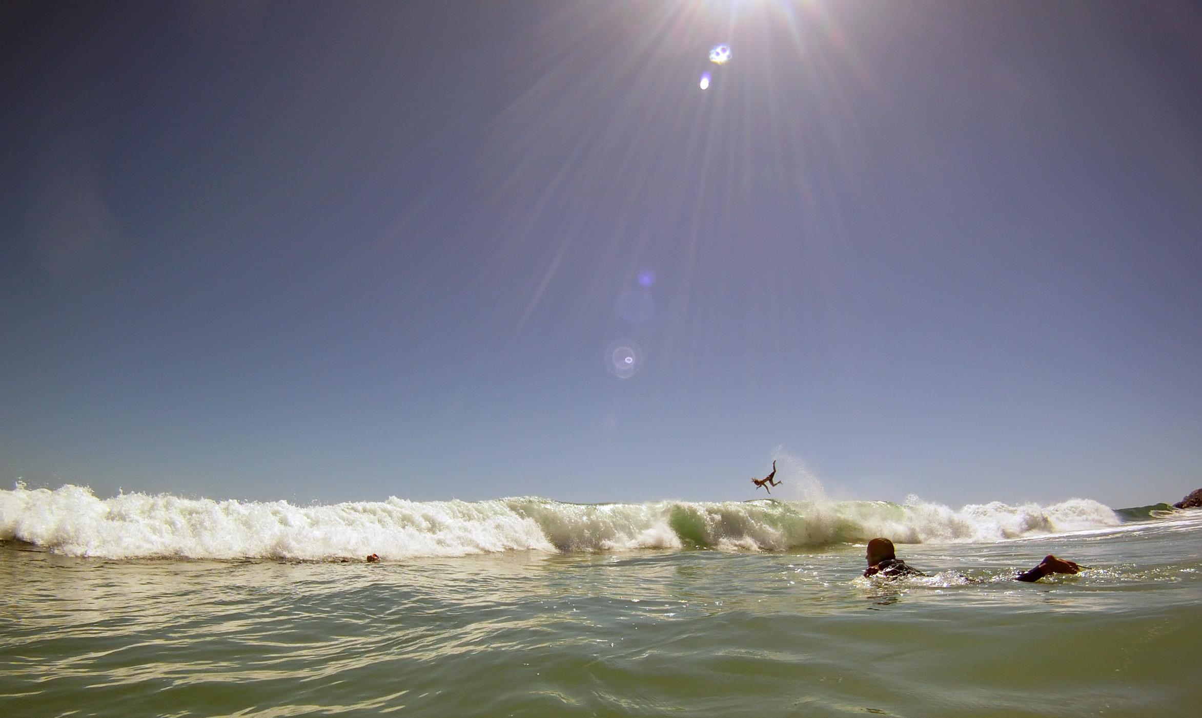 surfer-bail