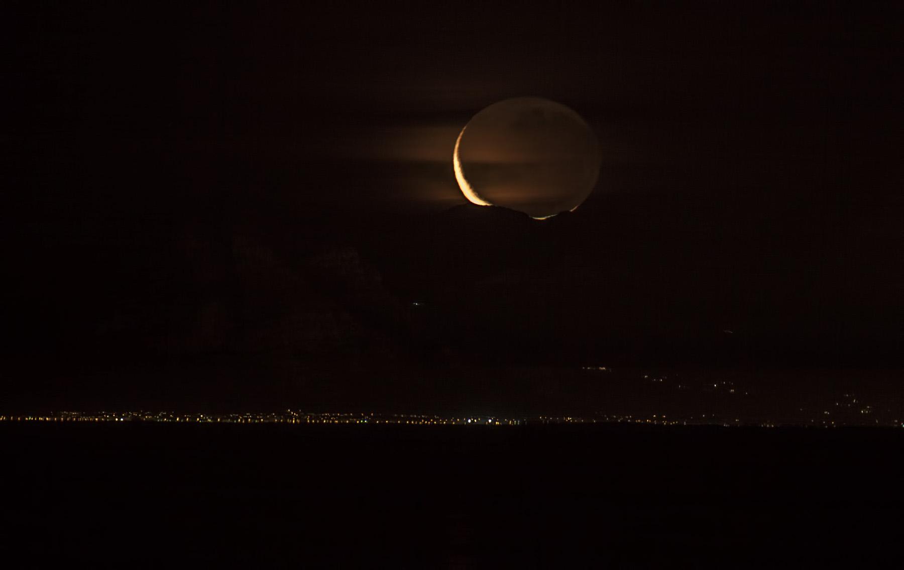 setting-moon
