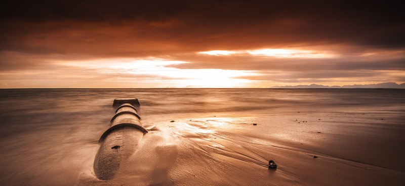 strand-sunset-pipe