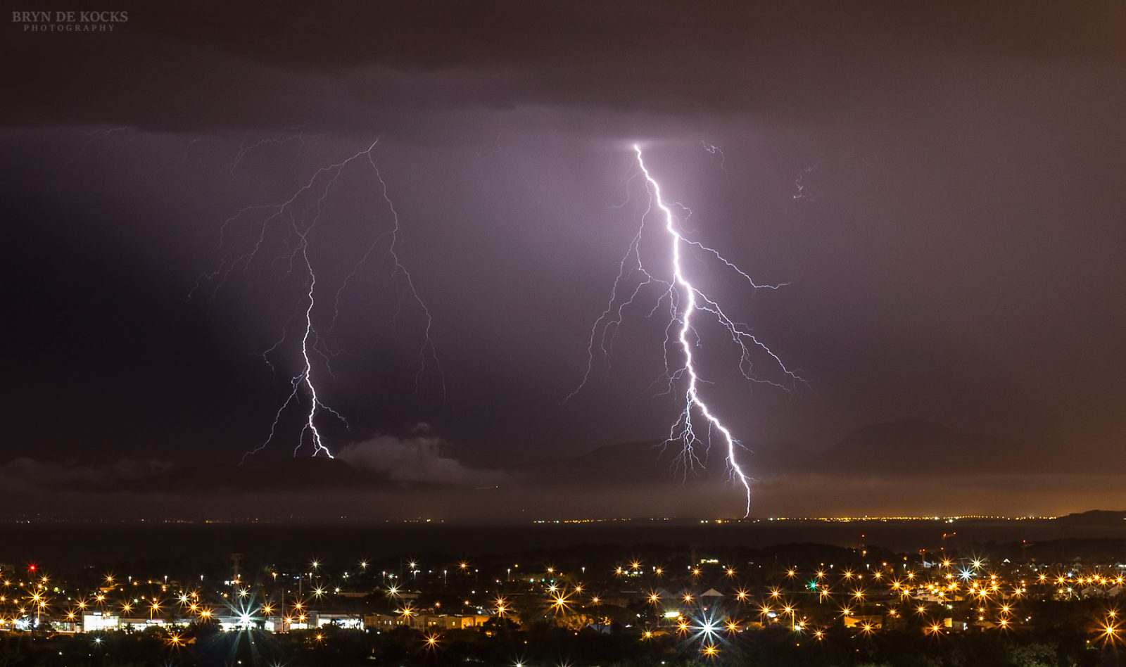 cape-town-strikes-lightning
