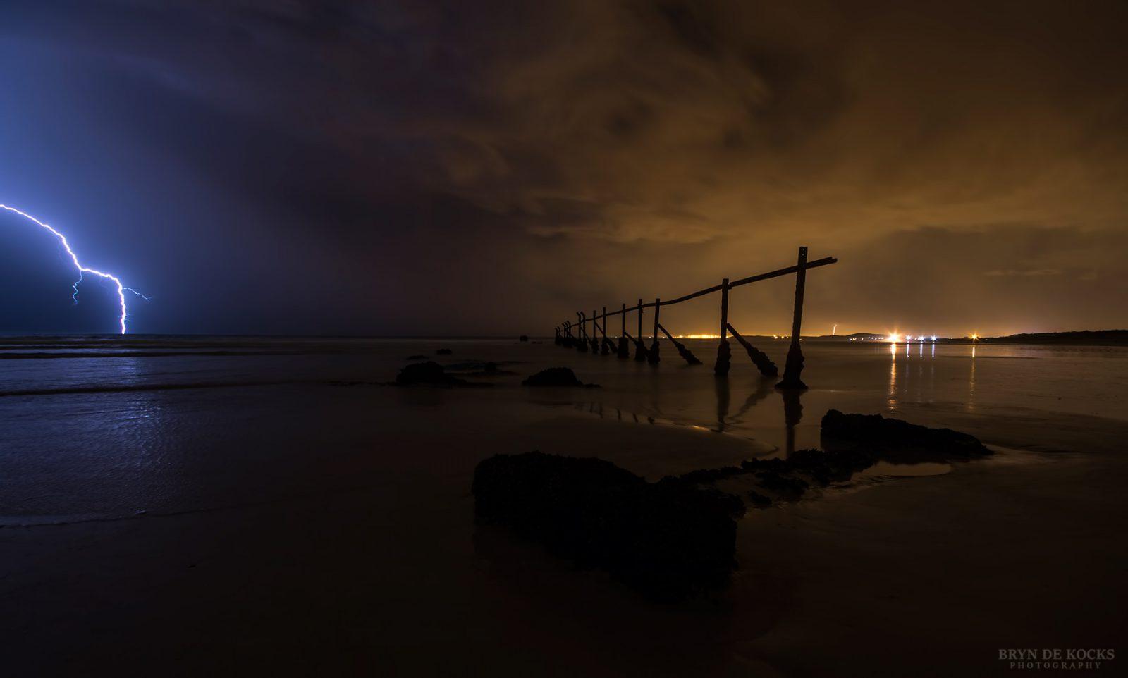 fence-lightning