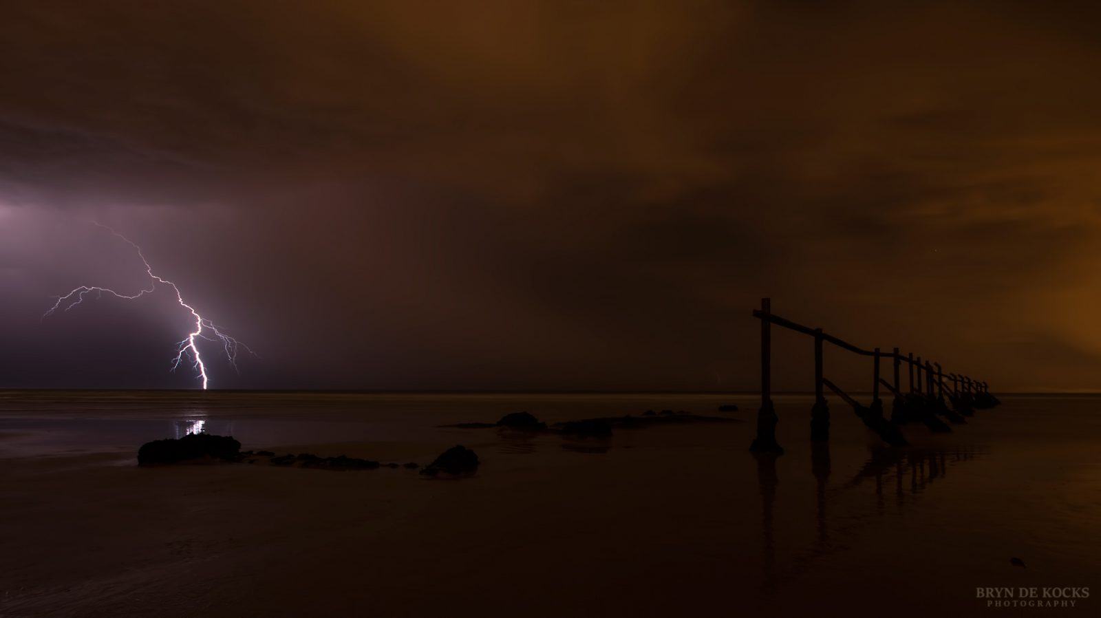 lightning-at-strand-beach